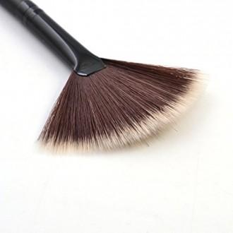 Born Pretty 1Pc Fan Brush Portable Slim Professional Makeup Brush